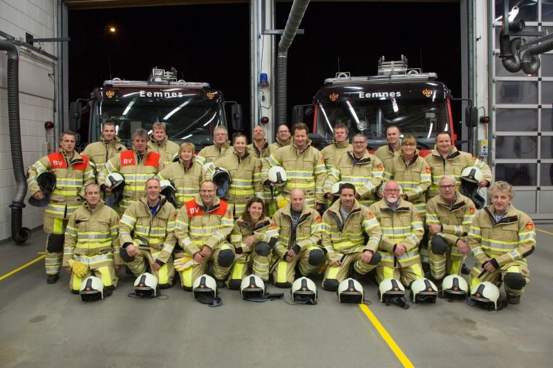 De vrijwilligers van brandweer Eemnes - Foto: Caspar Huurdeman